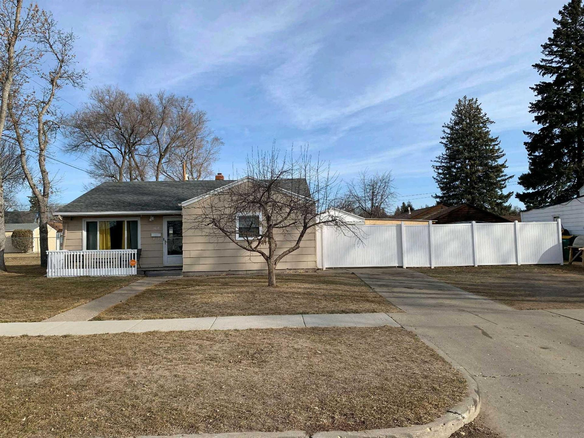 1616 E Ave E, Bismarck, ND 58501 - #: 410143