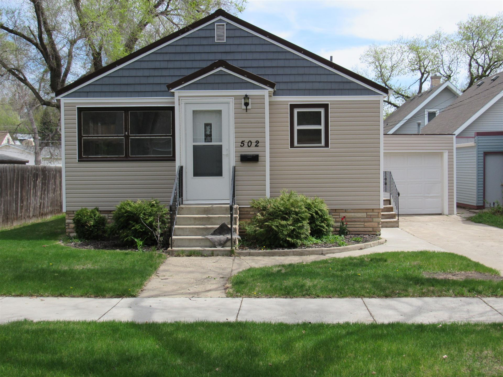 502 7th Avenue NW, Mandan, ND 58554 - #: 405172