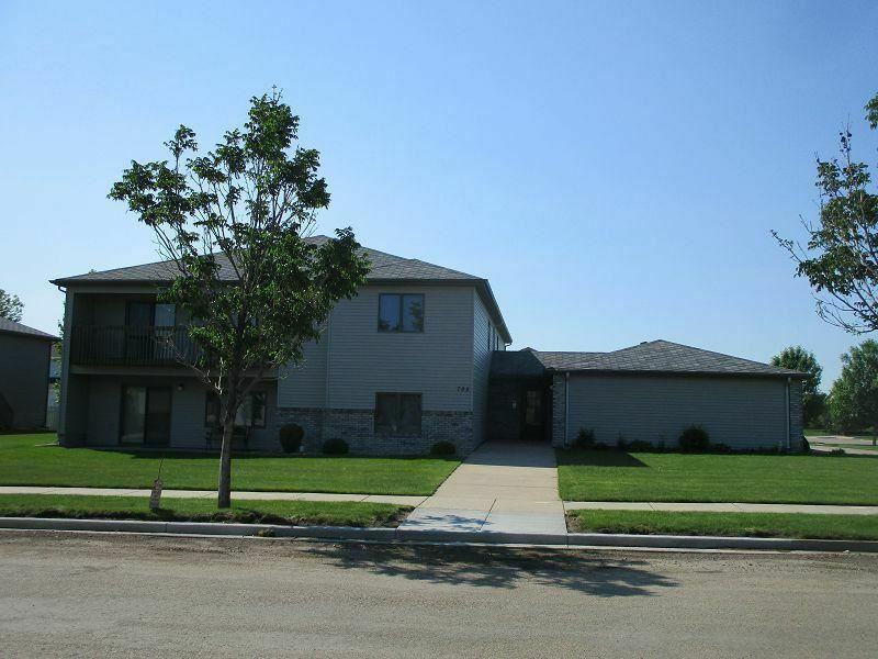 705 Bridgeport Drive #4, Bismarck, ND 58504 - #: 410331