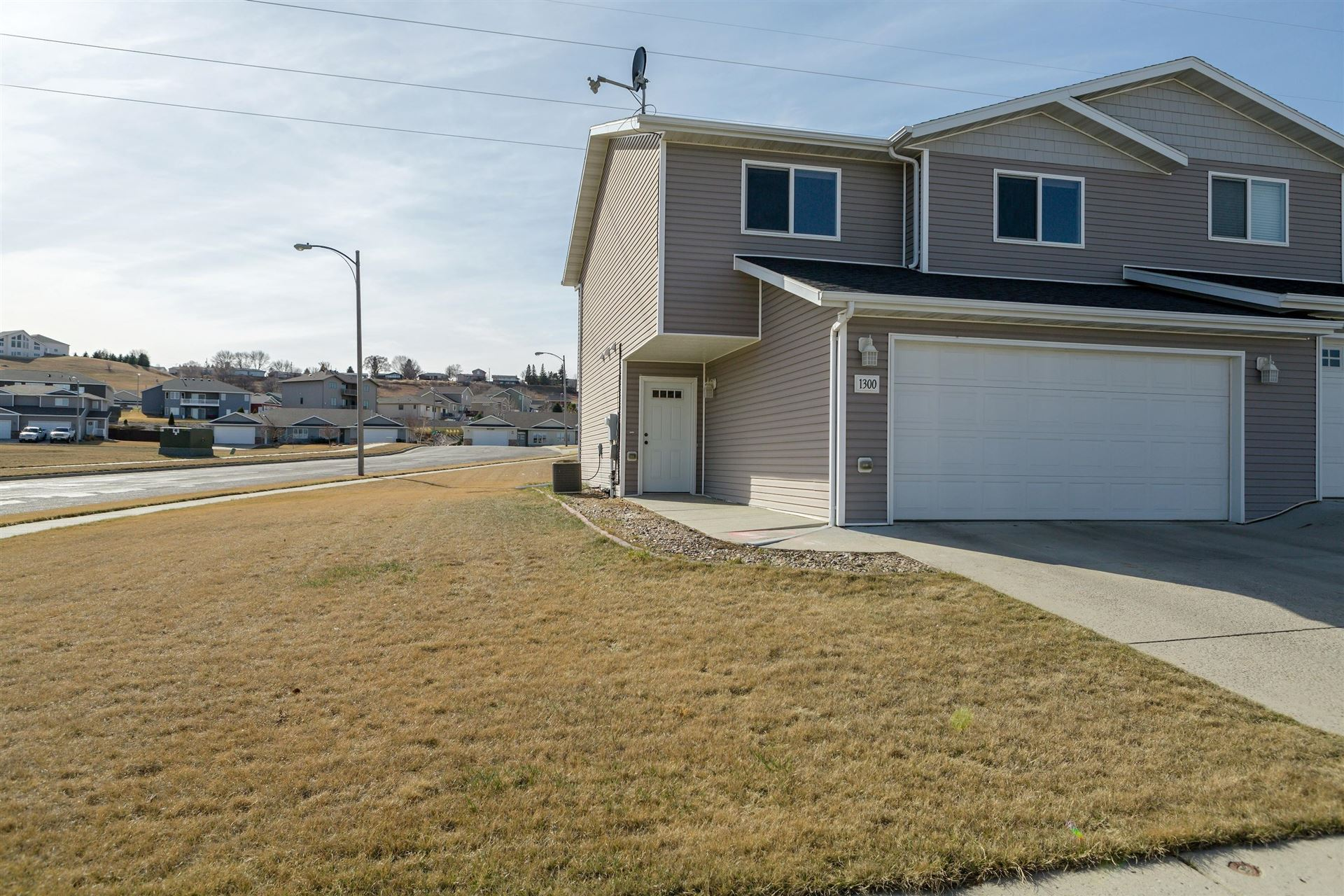 1300 Sorrento Circle, Bismarck, ND 58501 - #: 410379