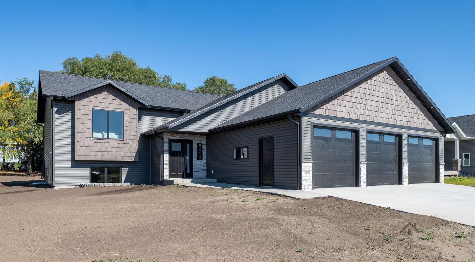 5412 Hendrickson Drive, Bismarck, ND 58503 - #: 412385