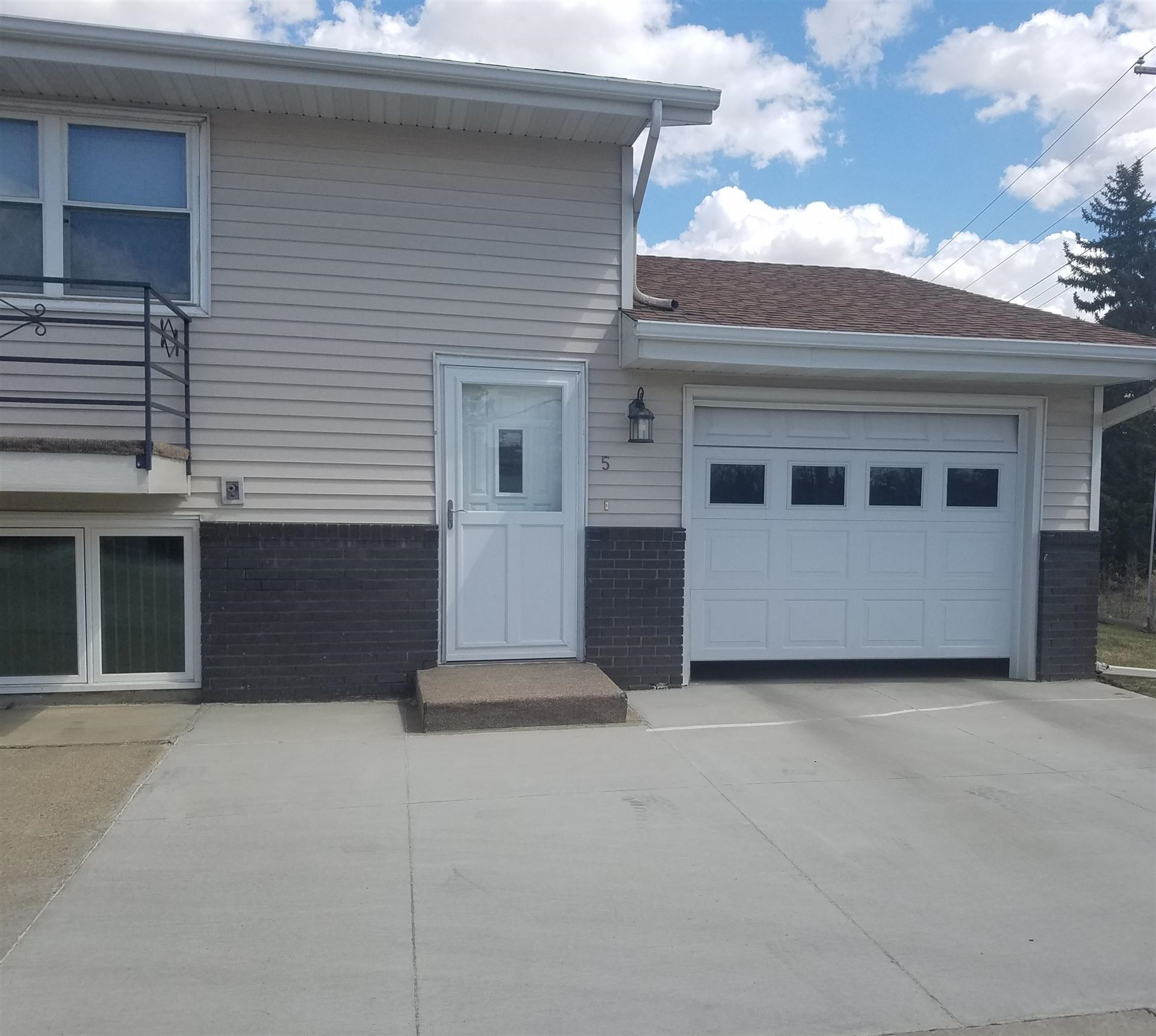 707 E Interstate Avenue #5, Bismarck, ND 58503 - #: 406484