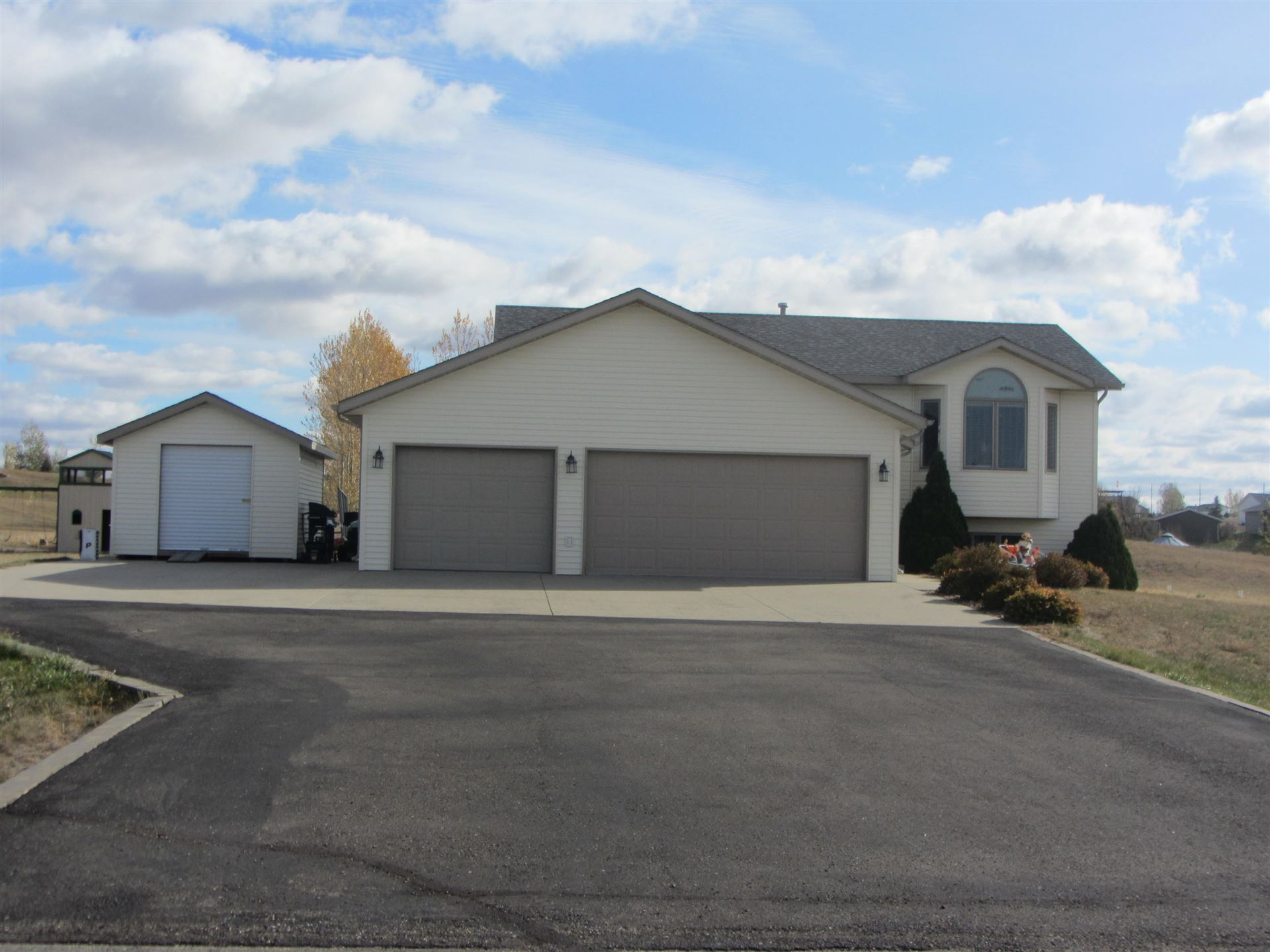 5755 Prairiewood Drive, Bismarck, ND 58504 - #: 408803