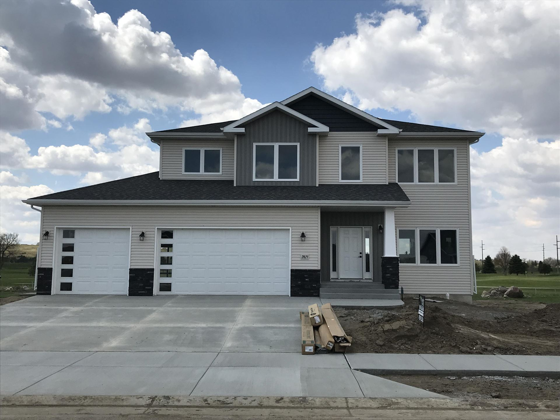 2021 34th Avenue SE, Mandan, ND 58554 - #: 407814