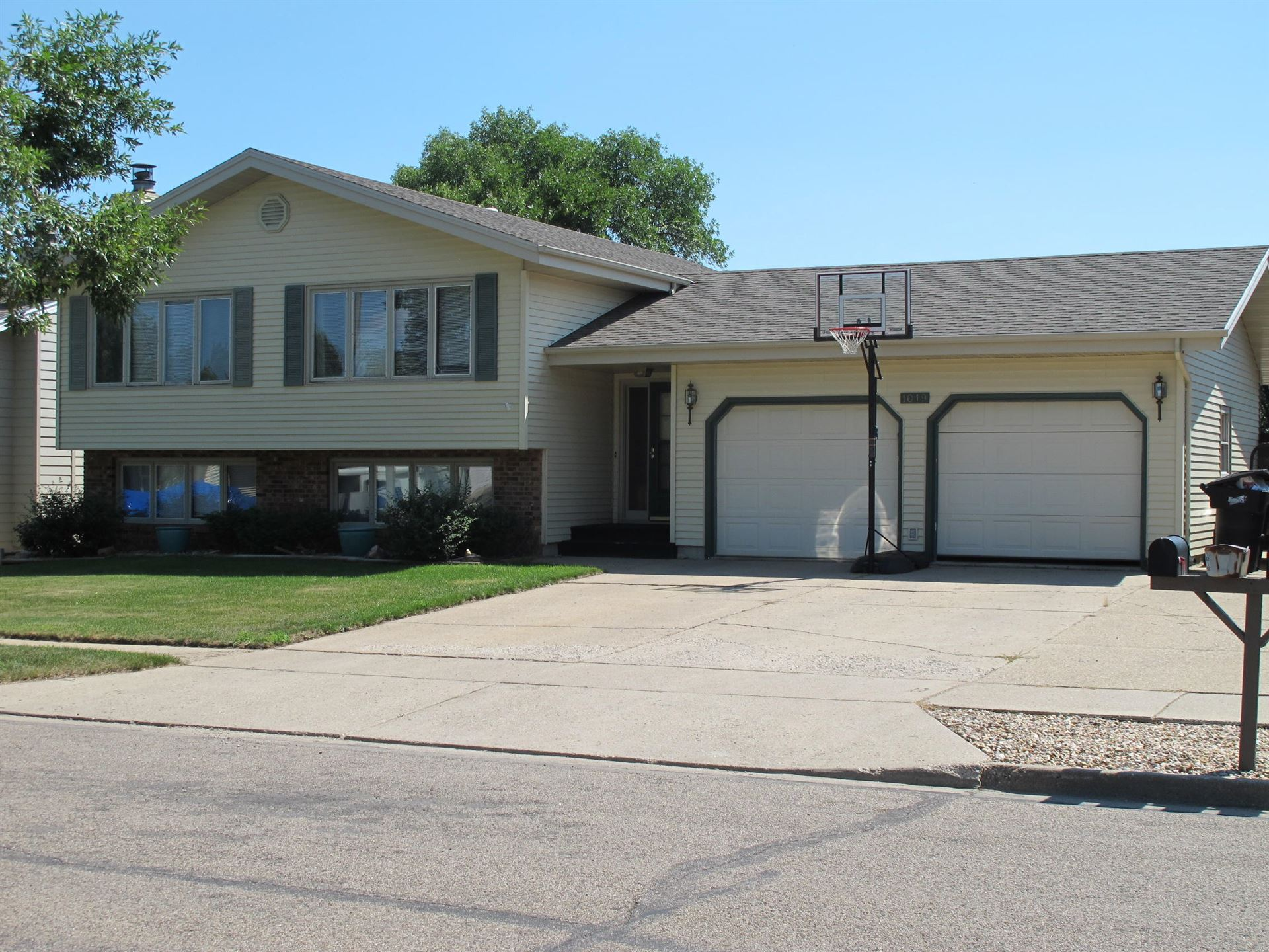1019 Capitol Avenue, Bismarck, ND 58501 - #: 407885