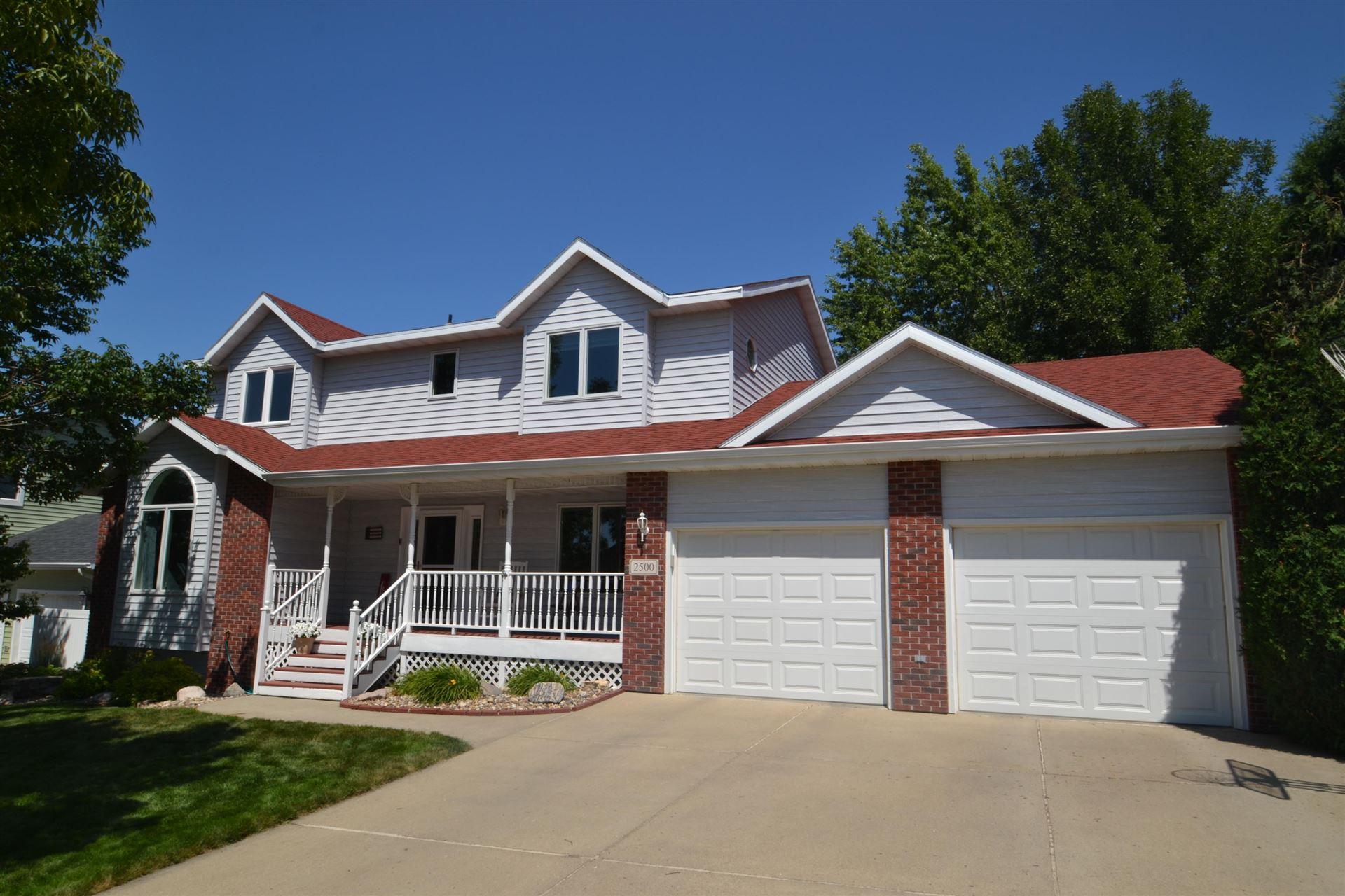 2500 Coolidge Avenue, Bismarck, ND 58501 - #: 407927