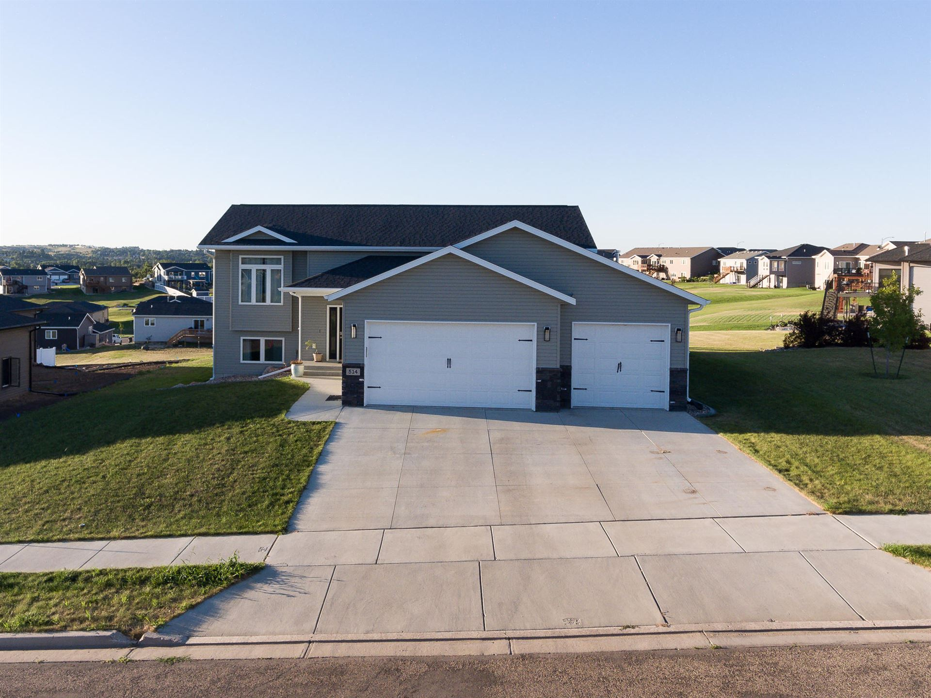 514 18th Street SE, Mandan, ND 58554 - #: 407965