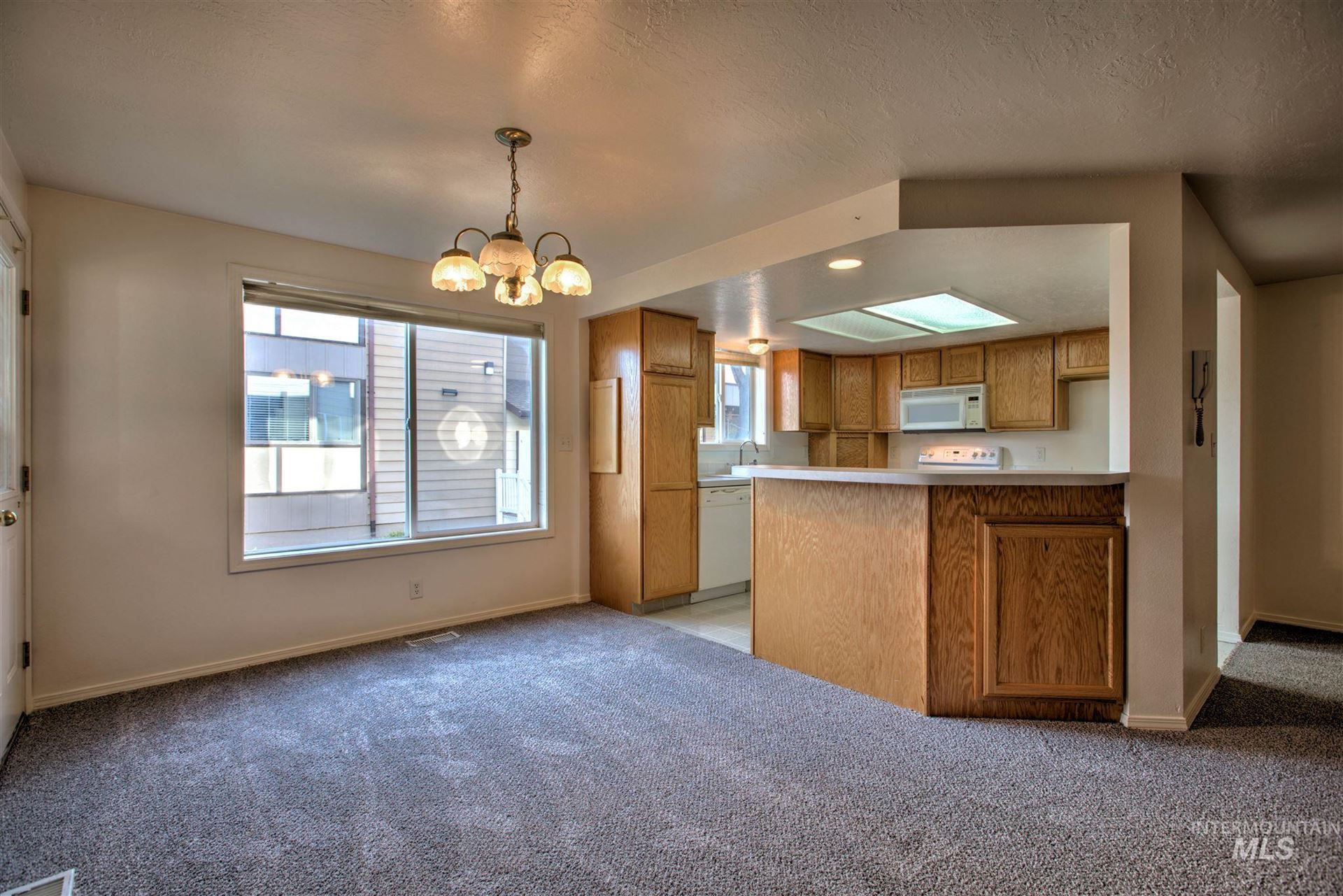 Photo of 351 Elm St N #4, Twin Falls, ID 83301 (MLS # 98799008)