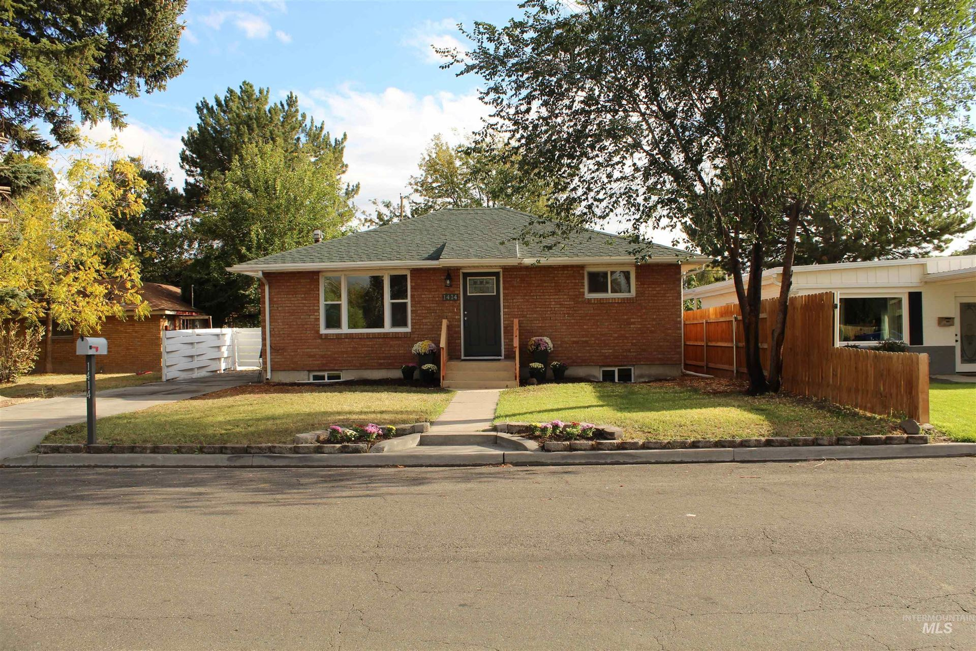 Photo of 1414 Spruce Avenue, Twin Falls, ID 83301 (MLS # 98807009)