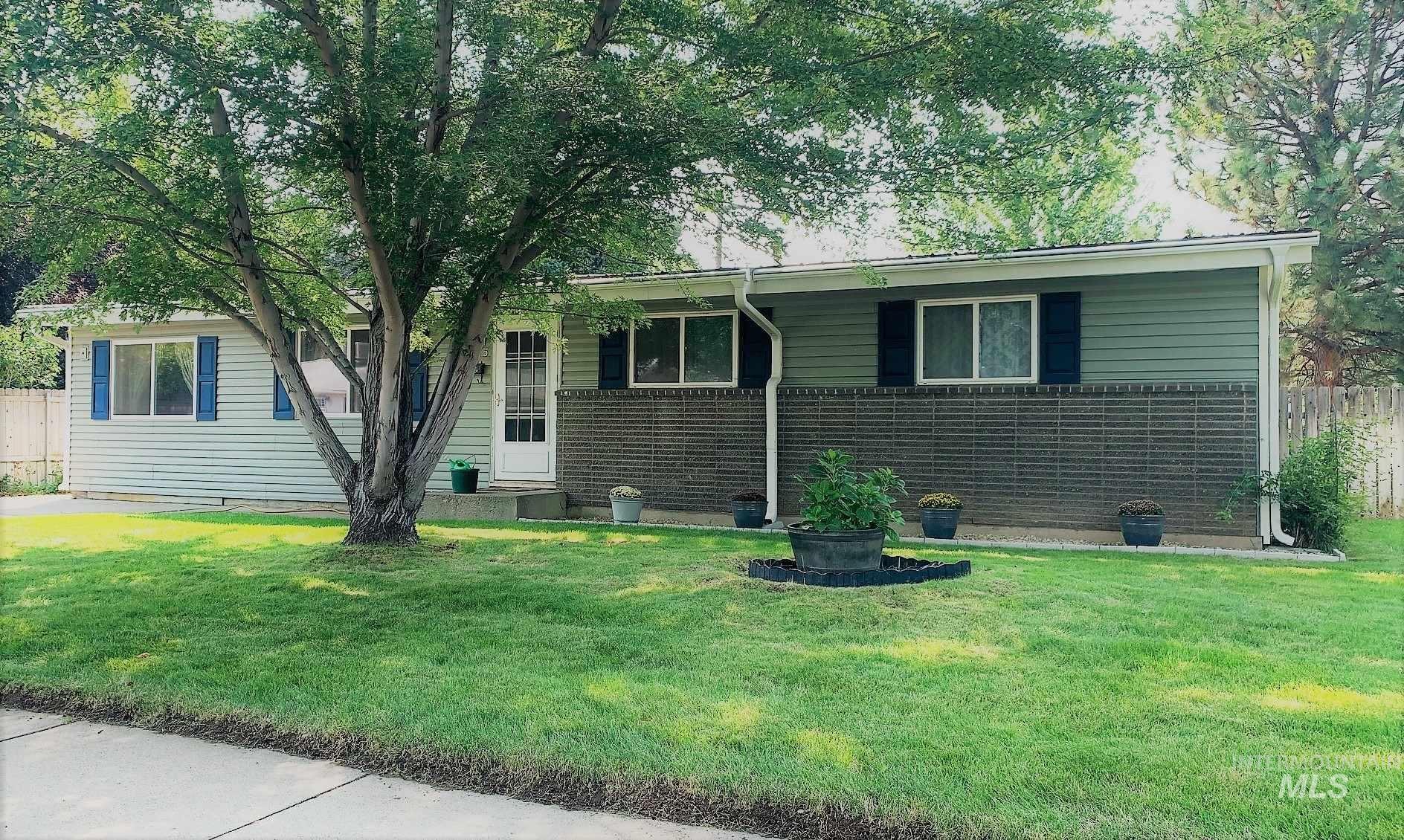 585 Phelps Circle, Mountain Home, ID 83647 - MLS#: 98779010