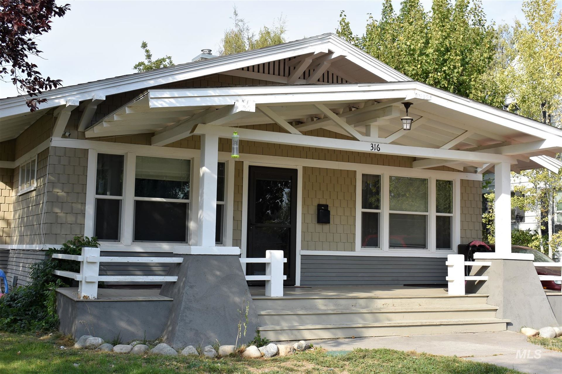 Photo of 316 E C, Jerome, ID 83338 (MLS # 98782012)