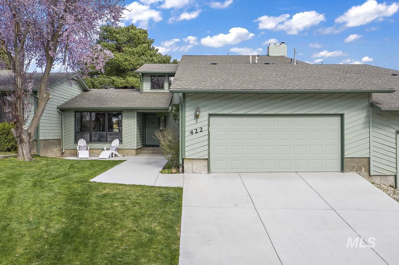 Photo of 422 Moraine Place, Eagle, ID 83616 (MLS # 98799013)