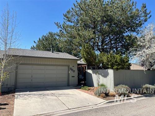 Photo of 4917 N Wildrye Drive, Boise, ID 83703 (MLS # 98799015)