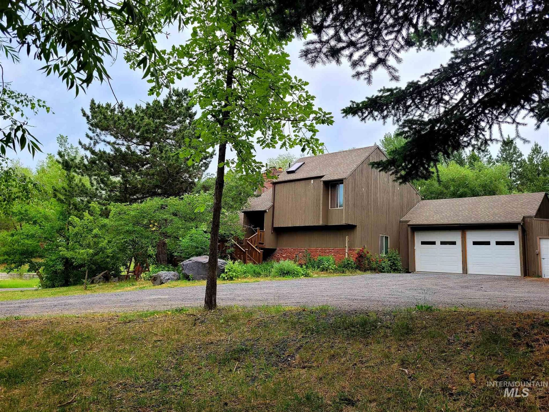 Photo of 1112 Pine Crest Rd., Moscow, ID 83843 (MLS # 98808028)