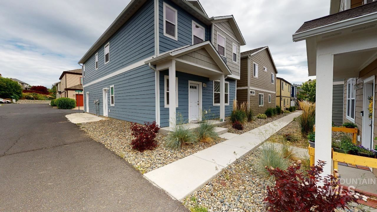 Photo of 1101 Hourglass, Moscow, ID 83843 (MLS # 98807032)