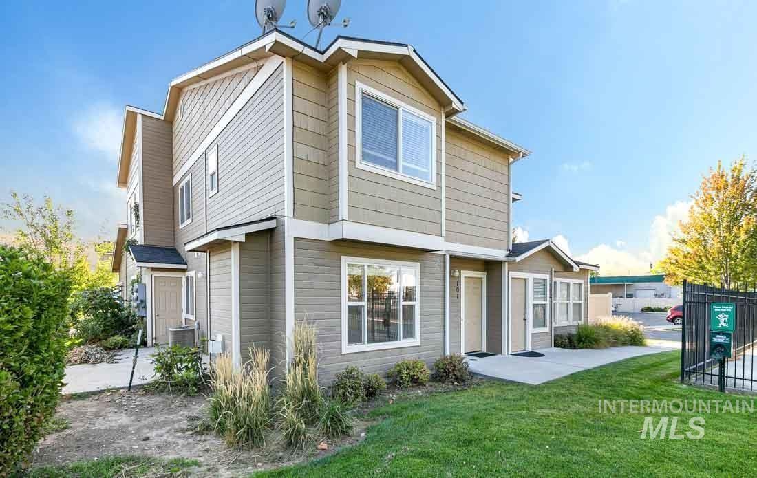Photo of 11026 W Garverdale Lane #102, Boise, ID 83713 (MLS # 98823044)