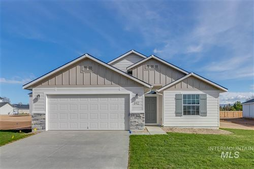 Photo of 842 SW Levant Way, Mountain Home, ID 83647 (MLS # 98762046)