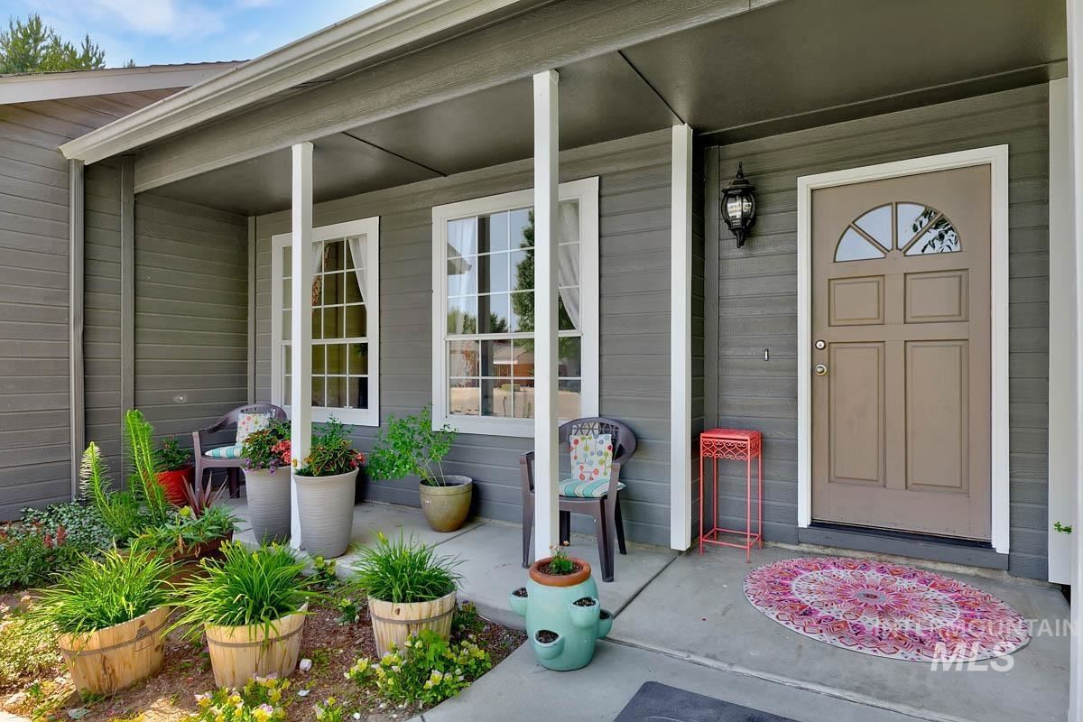 Photo of 9778 W Linstock Lane, Boise, ID 83704 (MLS # 98807047)