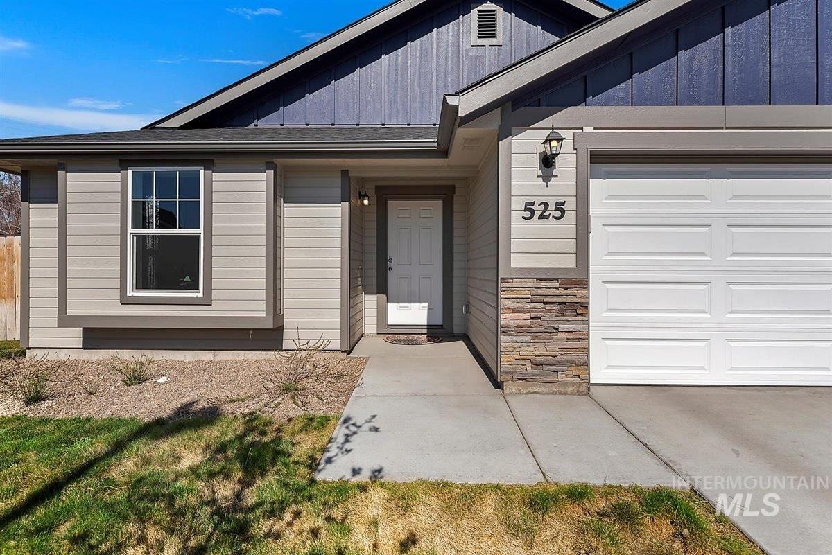 Photo of 525 NE Ladon Place, Mountain Home, ID 83647 (MLS # 98799050)