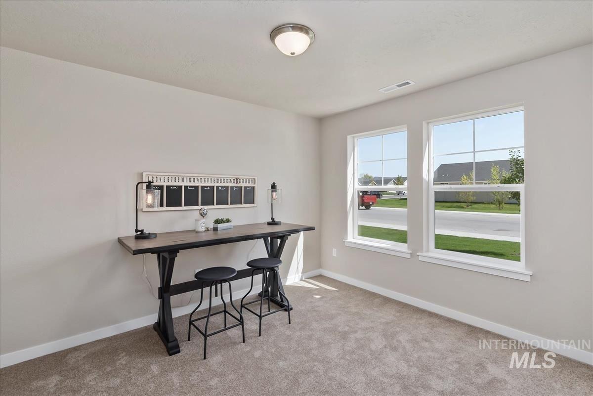 Photo of 695 SW Raelynn St, Mountain Home, ID 83647 (MLS # 98807060)