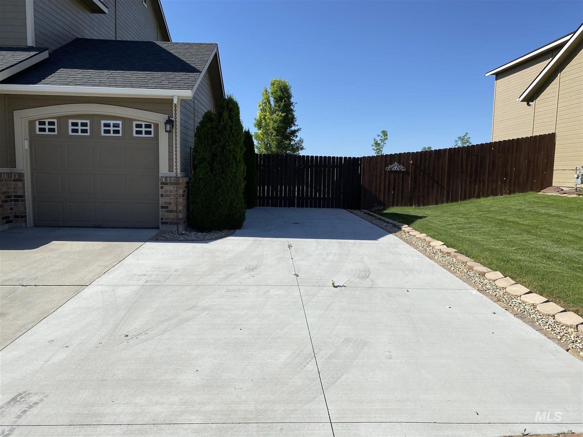 Photo of 1450 NE Urwin, Mountain Home, ID 83647 (MLS # 98807062)