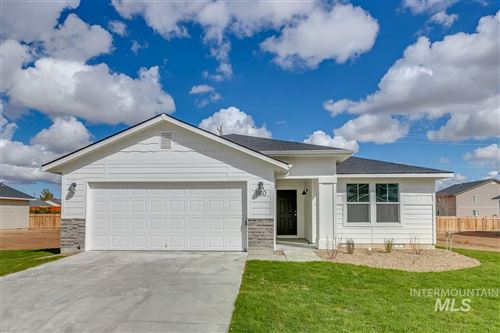 Photo of 860 SW Lago Dr., Mountain Home, ID 83647 (MLS # 98762072)