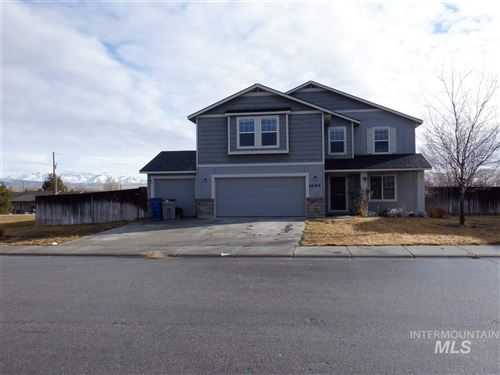 Photo of 1690 SW Silverstone Ave, Mountain Home, ID 83647 (MLS # 98755073)