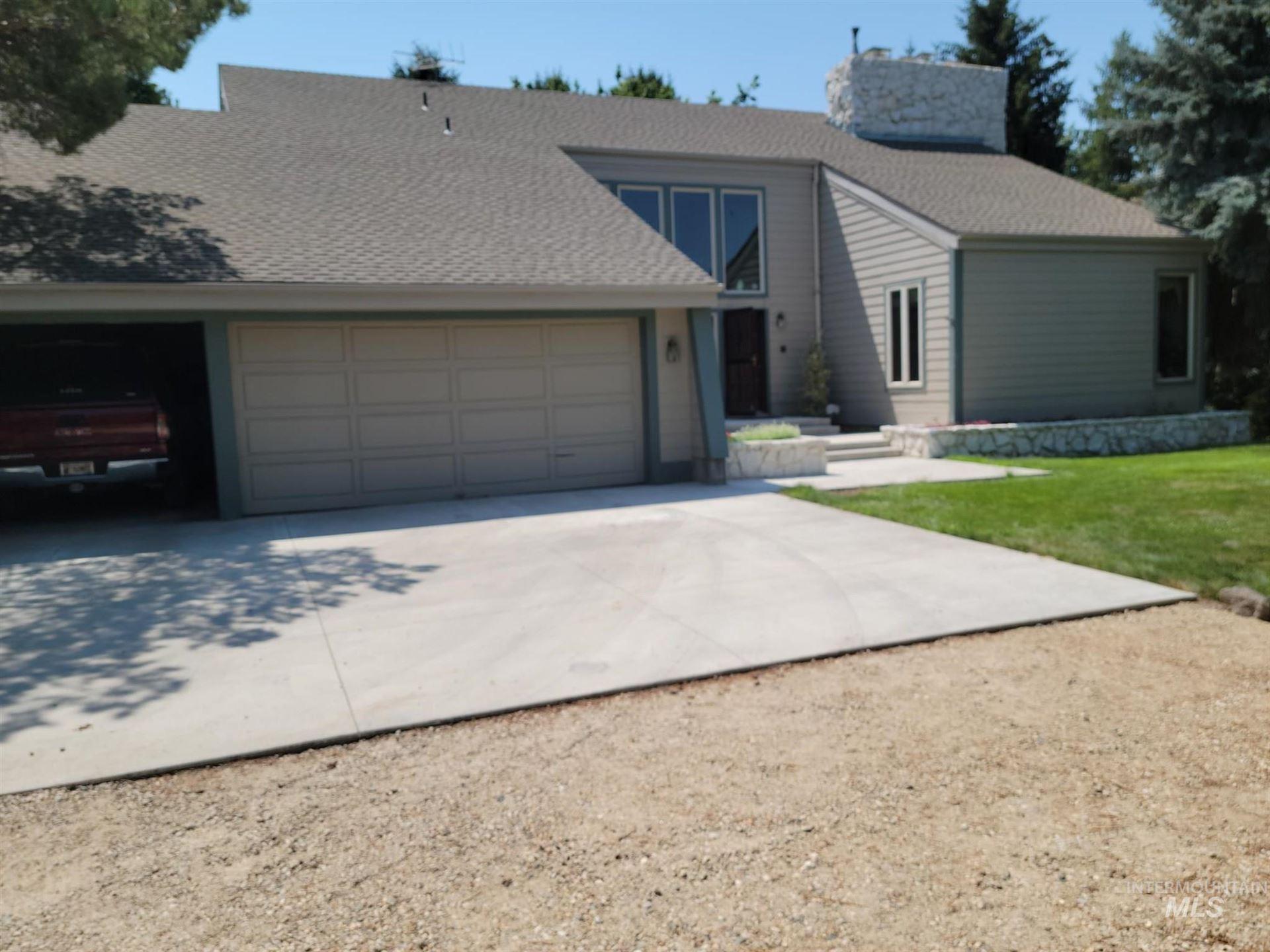 Photo of 3408 Dorman Ave, Caldwell, ID 83605 (MLS # 98813095)