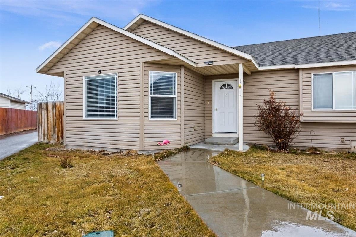 Photo of 437 Bluebell, Twin Falls, ID 83301 (MLS # 98794099)