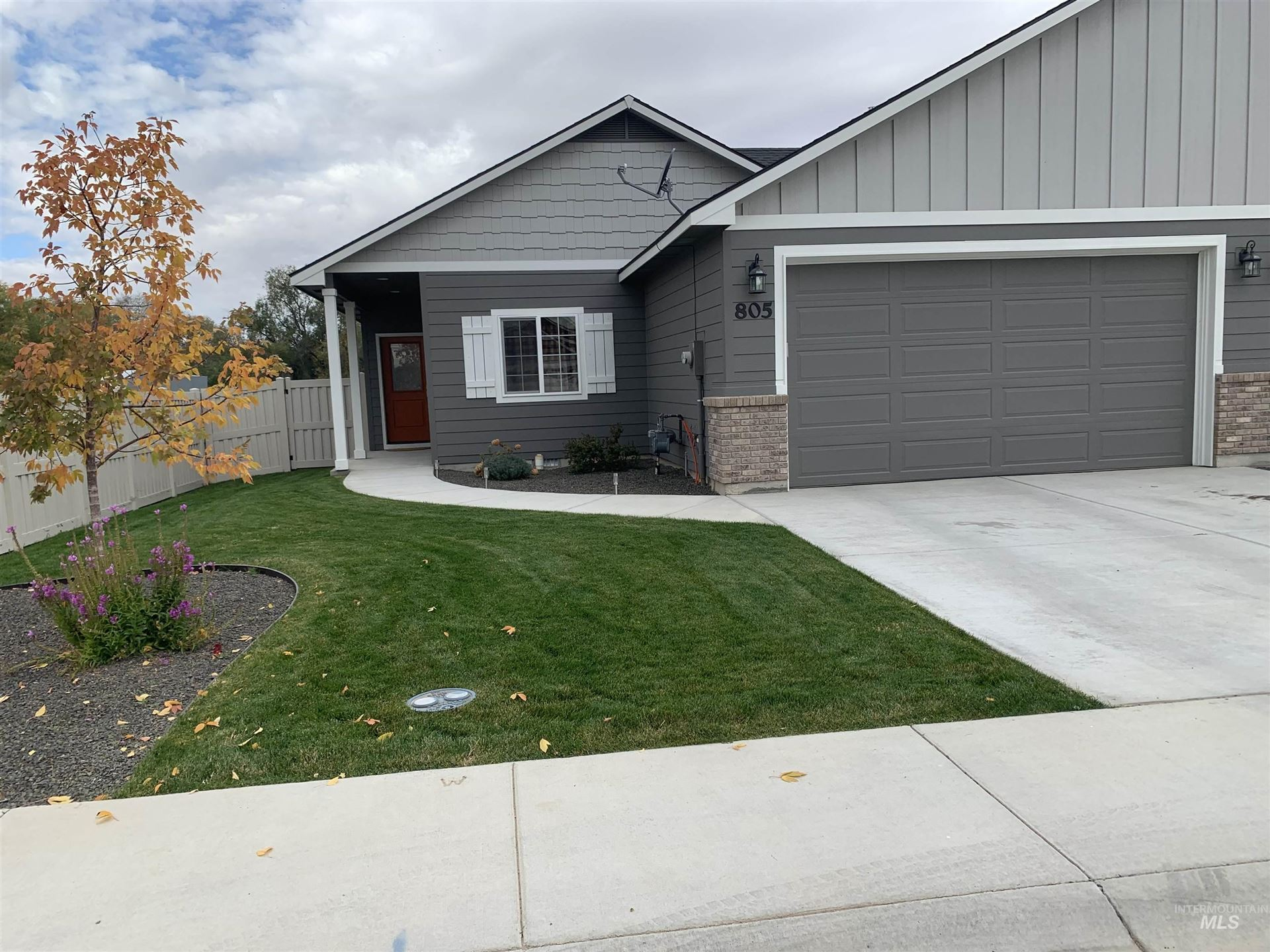 Photo of 805 N 14th St, Payette, ID 83661 (MLS # 98823105)