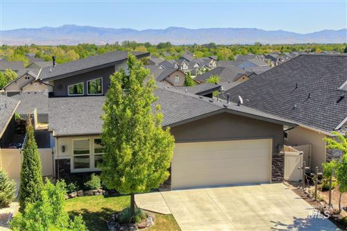 Photo of 1016 E Wrightwood, Meridian, ID 83642-8136 (MLS # 98802112)