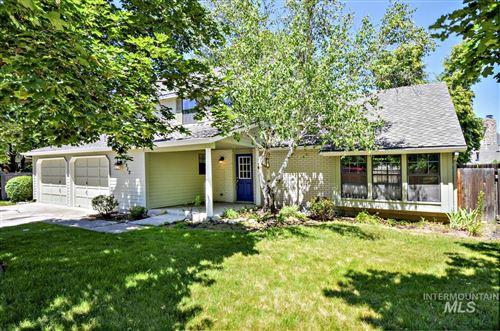 Photo of 3312 S Snowflake Way, Boise, ID 83706 (MLS # 98807113)