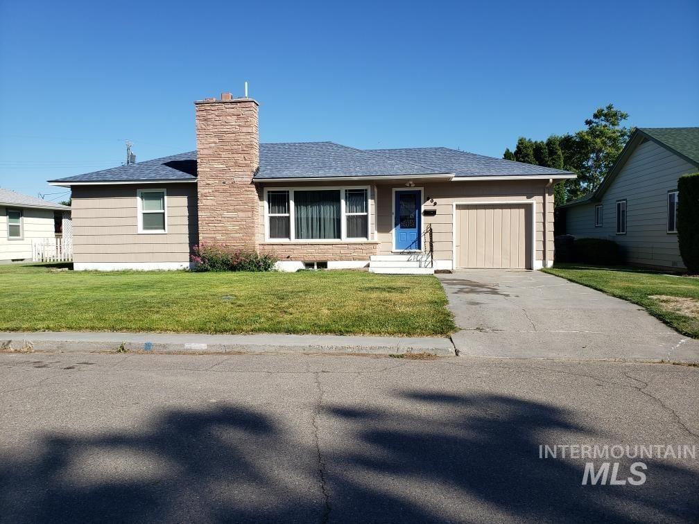 Photo of 809 Reece Avenue, Nyssa, OR 97913-3618 (MLS # 98807124)