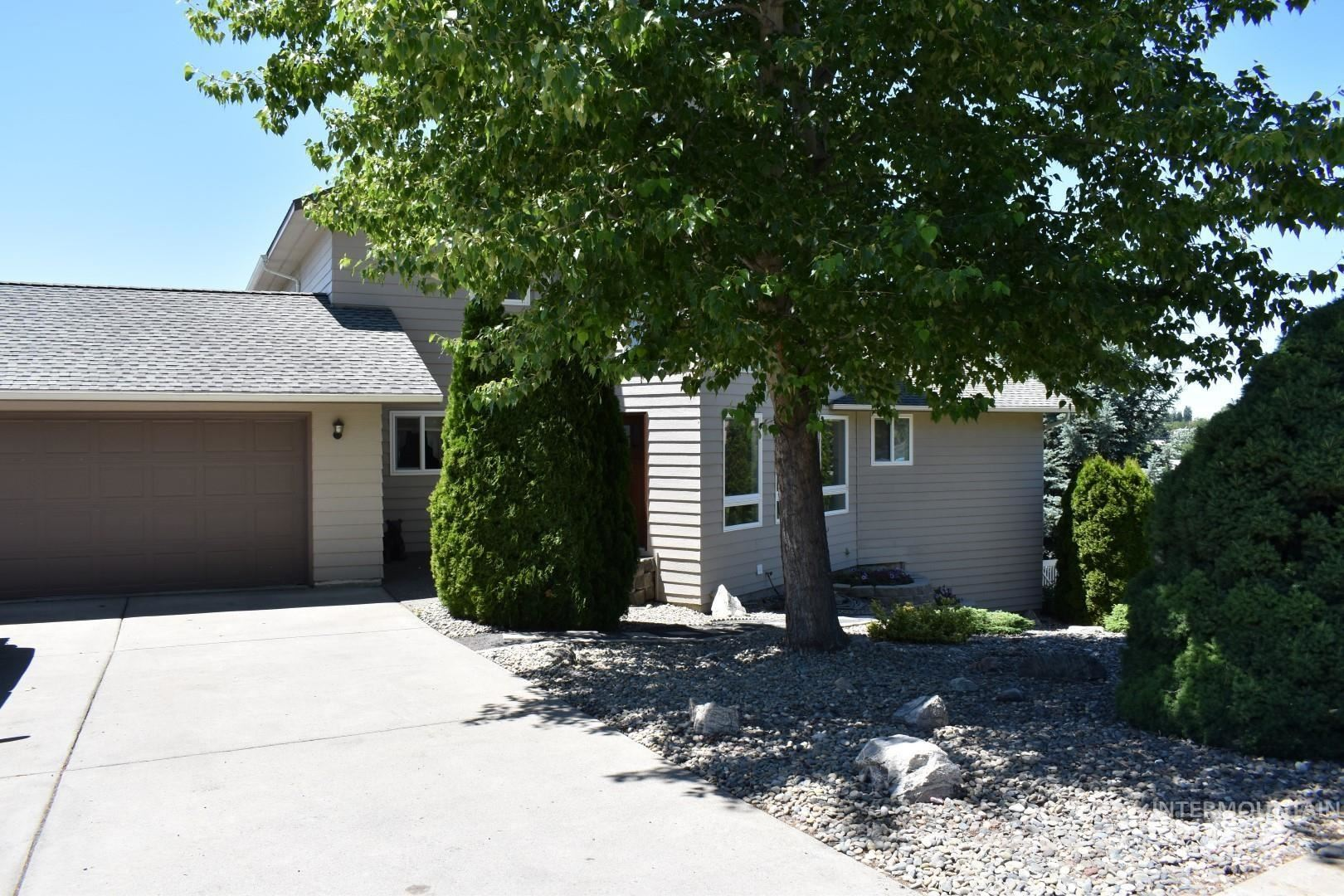 Photo of 653 Indian Hills, Moscow, ID 83843 (MLS # 98807126)