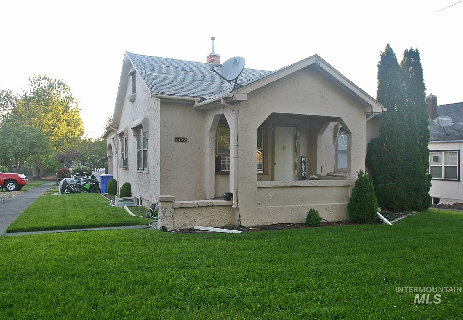 Photo of 1324 16th Street, Lewiston, ID 83501 (MLS # 98768128)