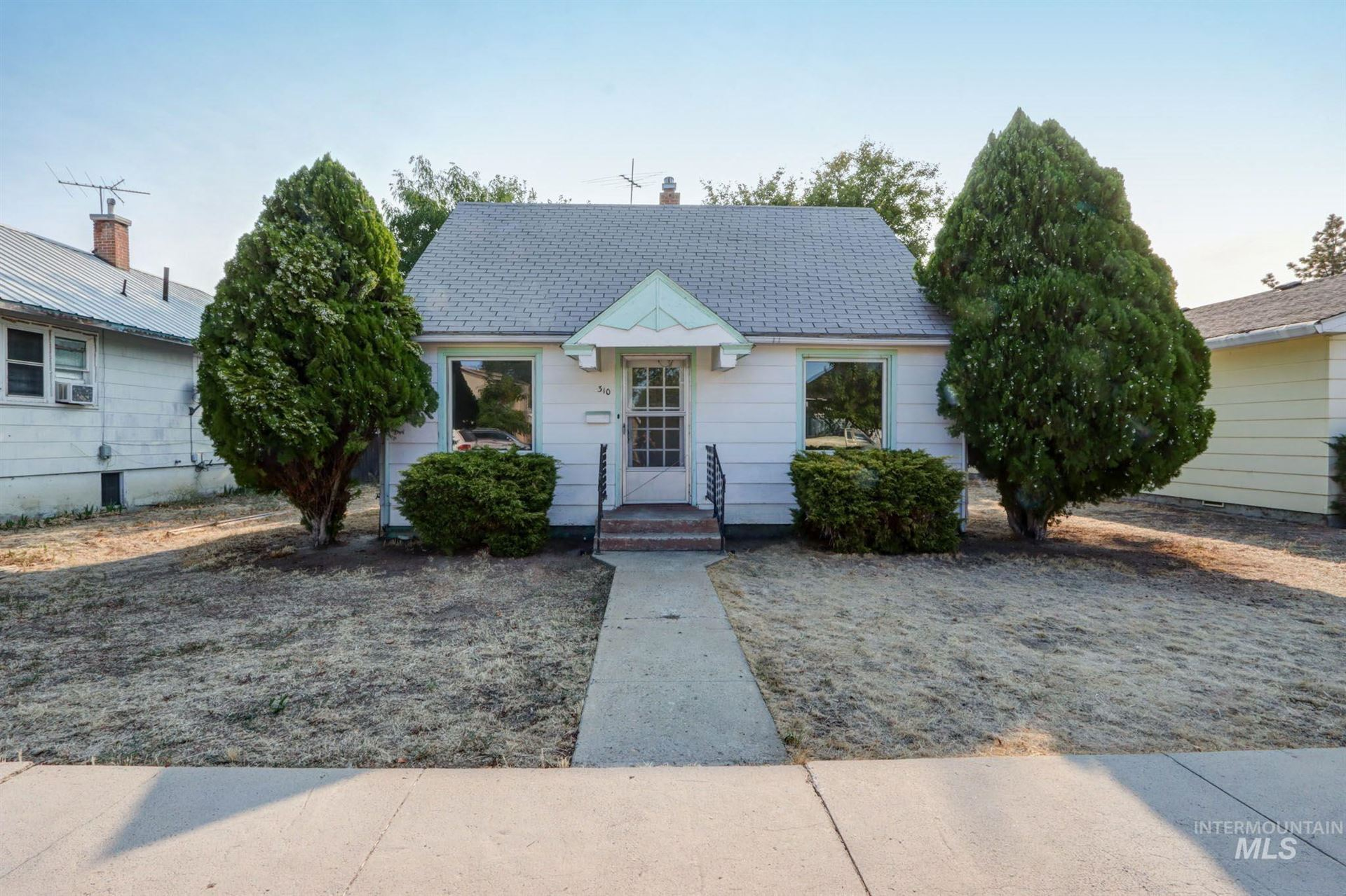 Photo of 310 S Commercial Ave, Emmett, ID 83617 (MLS # 98818132)