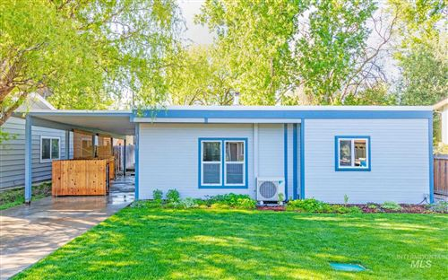 Photo of 3213 W Edgemoor Rd, Boise, ID 83703 (MLS # 98803136)