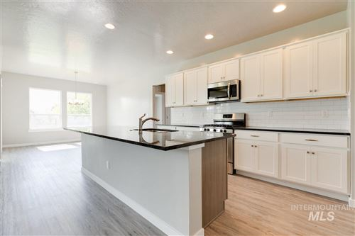 Photo of 848 N Chastain Ln, Eagle, ID 83616 (MLS # 98729138)