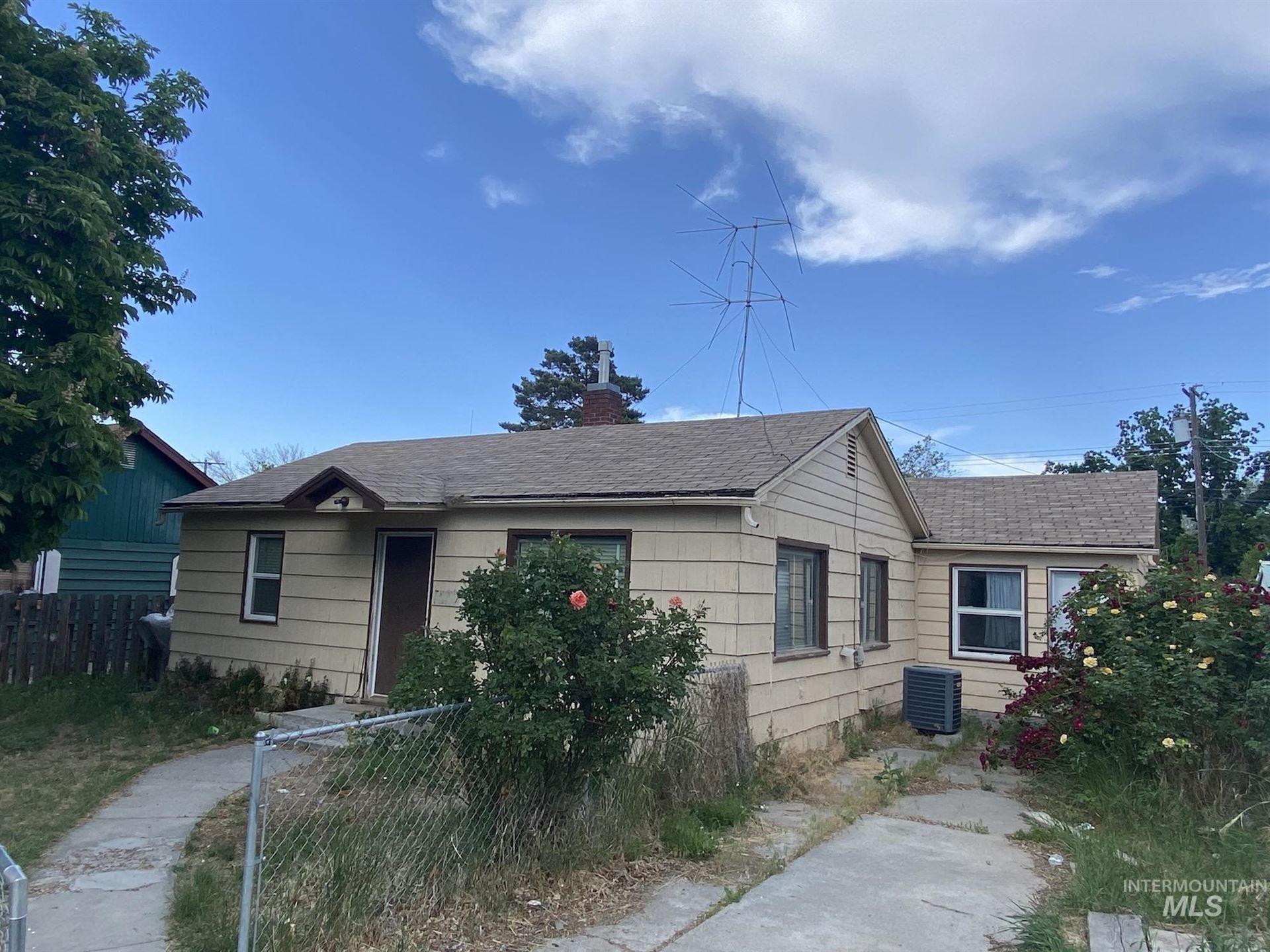 Photo of 816 N 9th Ave, Buhl, ID 83316 (MLS # 98806143)
