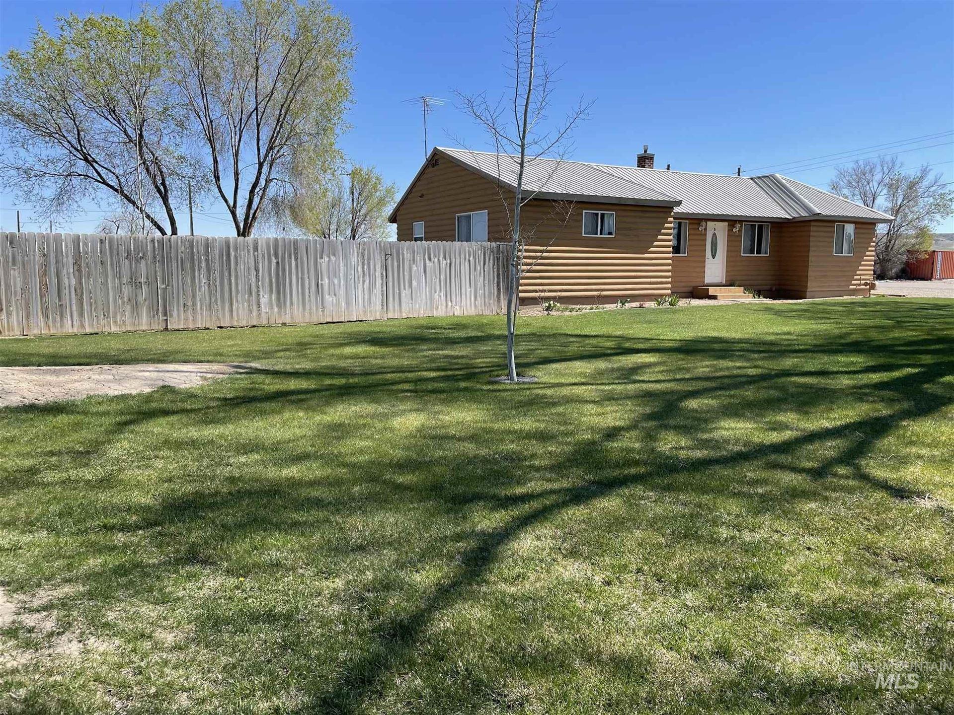 Photo of 10010 N Iowa Ave, Payette, ID 83661 (MLS # 98799146)