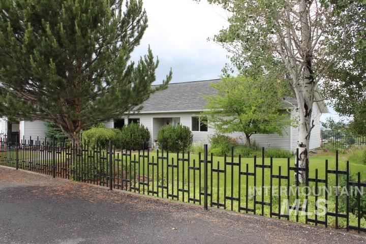 Photo of 3120 Highland Dr, Baker City, ID 97814 (MLS # 98772155)