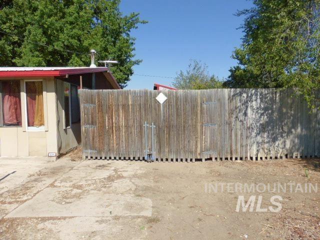 Photo of 804 6th St N, Nampa, ID 83687-3321 (MLS # 98819157)