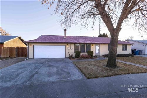 Photo of 716 Dufur St, Nampa, ID 83686 (MLS # 98751160)