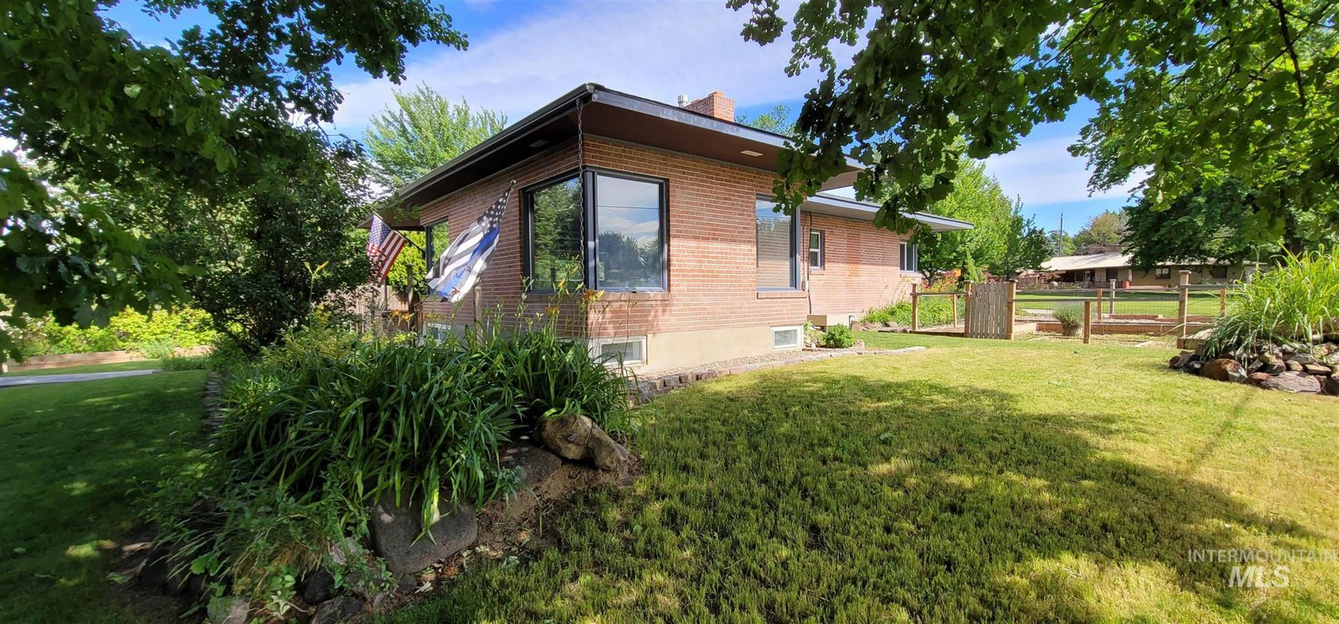 Photo of 2004 Center Ave, Payette, ID 83661 (MLS # 98807160)