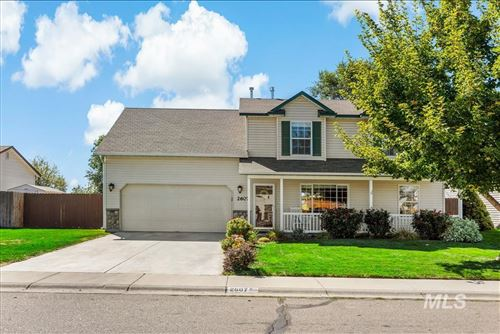 Photo of 2607 South Bluegrass Drive, Nampa, ID 83686 (MLS # 98820163)