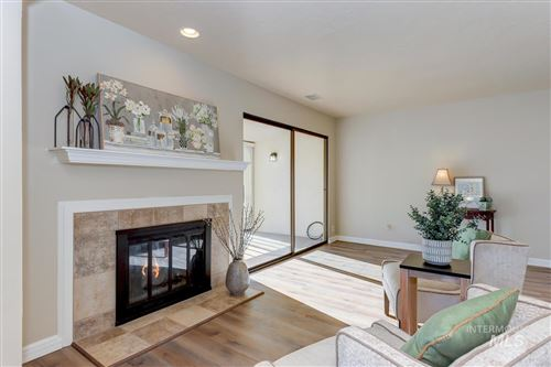 Photo of 1102 N Camelot, Boise, ID 83704 (MLS # 98788166)