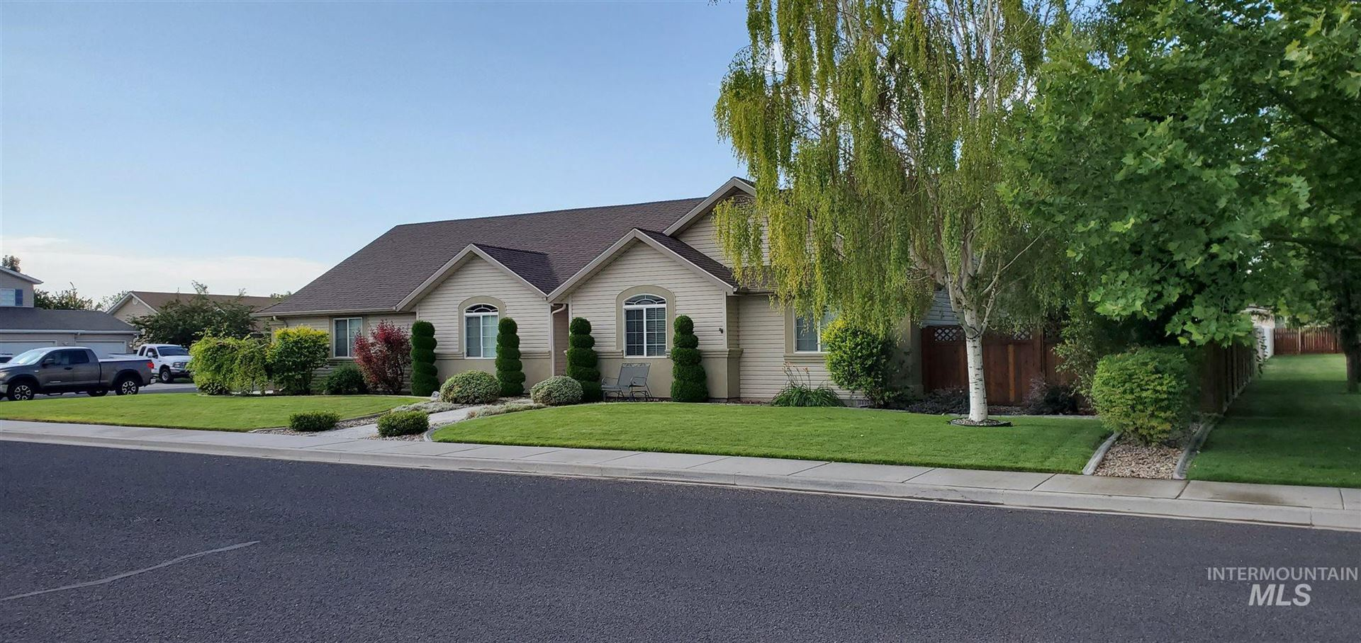 Photo of 1389 Park meadows Dr, Twin Falls, ID 83301 (MLS # 98776183)