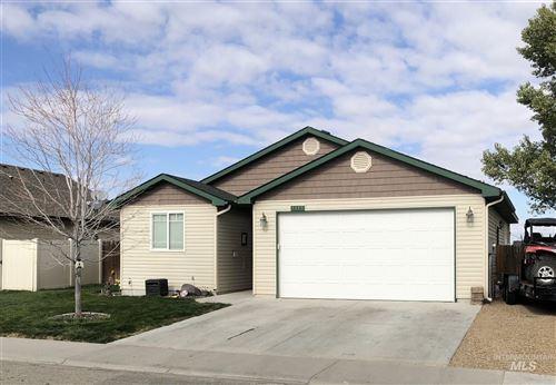 Photo of 1115 SW Julia St, Mountain Home, ID 83647 (MLS # 98785185)