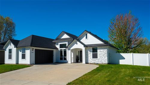 Photo of 3087 N TIMBERFALLS, Meridian, ID 83646 (MLS # 98802187)