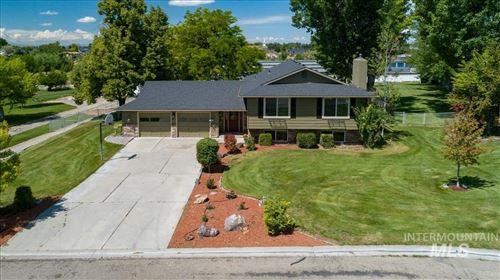 Photo of 247 S Thornwood Drive, Meridian, ID 83642 (MLS # 98795188)